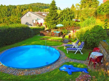 Fewo - Garten mit Pool